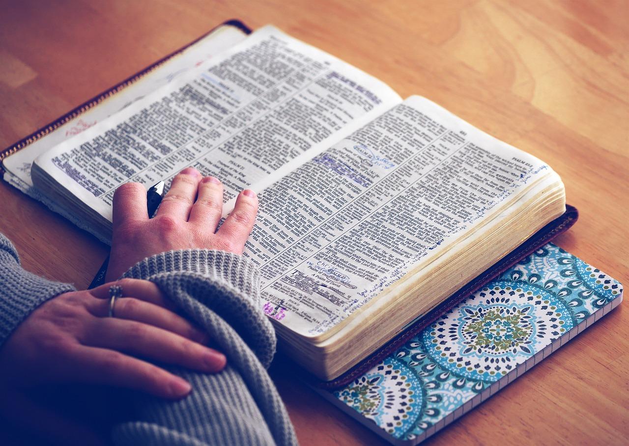 Religion (Explaining Human Culture)